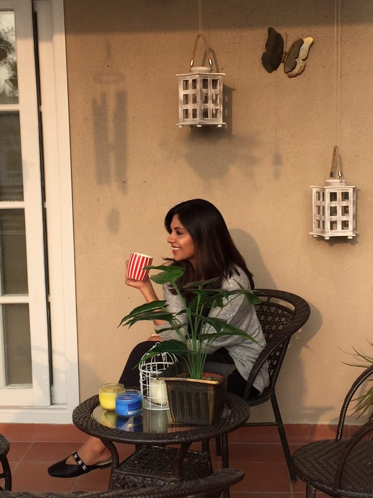 Sunita Marshall drinking coffee & chatting