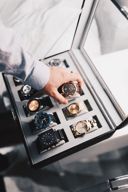 Gifts for the Groom can include a watch box