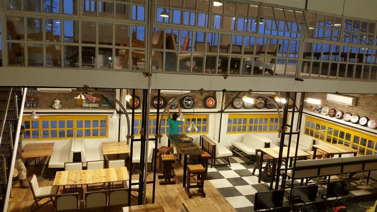 Faisal Qureshi Cafe Garage.