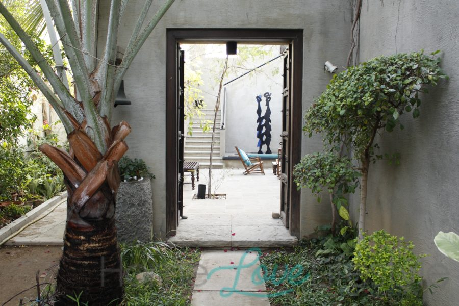 Entrance to the Mir House