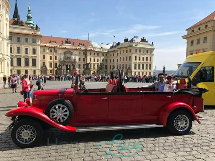 Sunita & Hasan in Prague