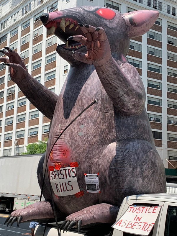 Scabby the Rat balloon in NYC